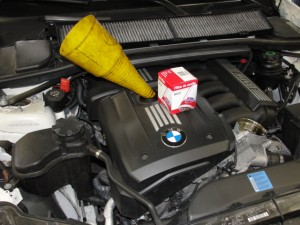 BMW oil change quality oil filter and synthetic oil