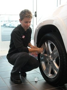 HomeTowne Auto Repair and Tire is Teaching Women Basic Car Care Maintenance in Woodbridge, VA